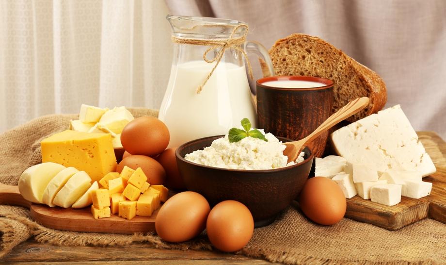 молочные продукты и хлеб